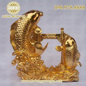 Cá chép vượt vũ môn mạ vàng