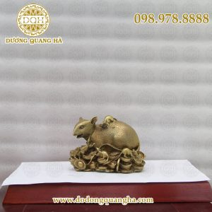 Chuột đồng ngôi trên vàng