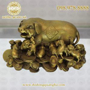 Lợn đúc bằng đồng vàng