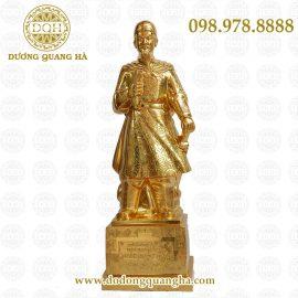 Tượng Trần Hưng Đạo đồng đỏ mạ vàng
